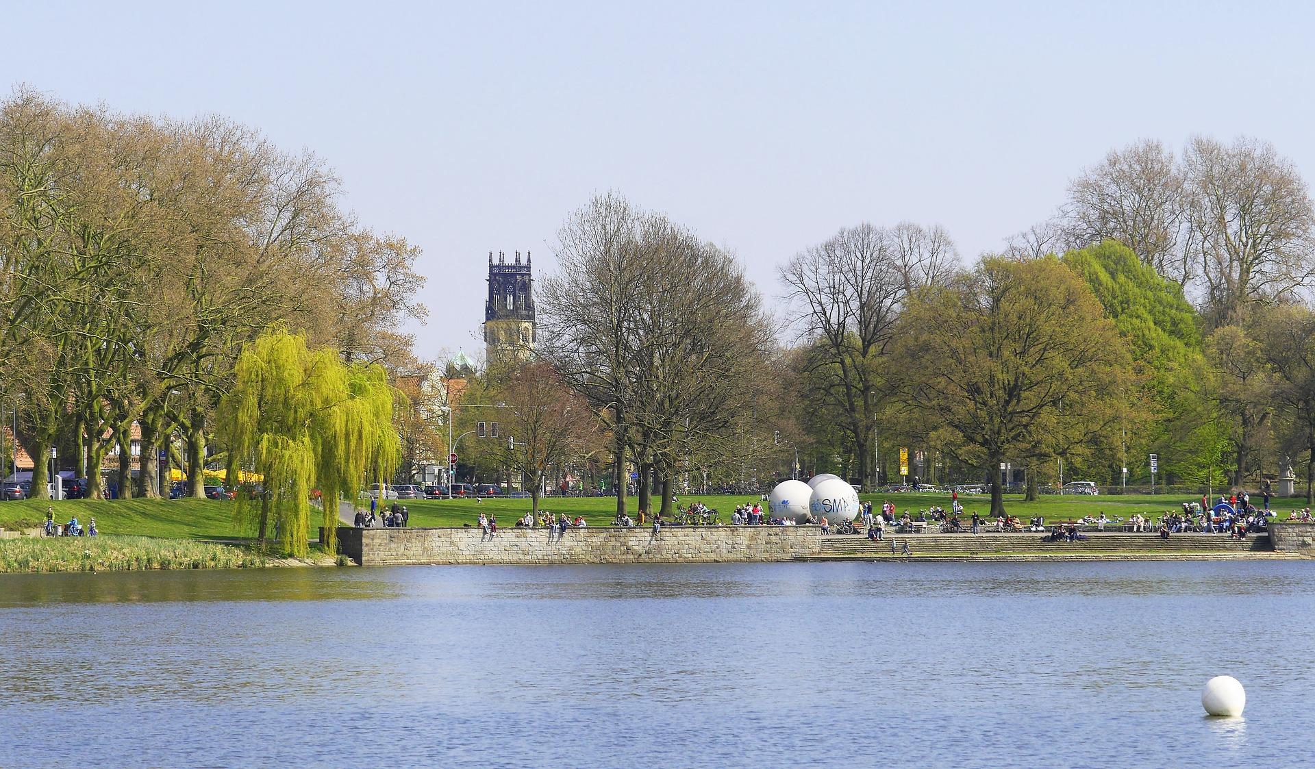 Der Aasee in Münster vorallem im Sommer kann man hier perfekt chilln
