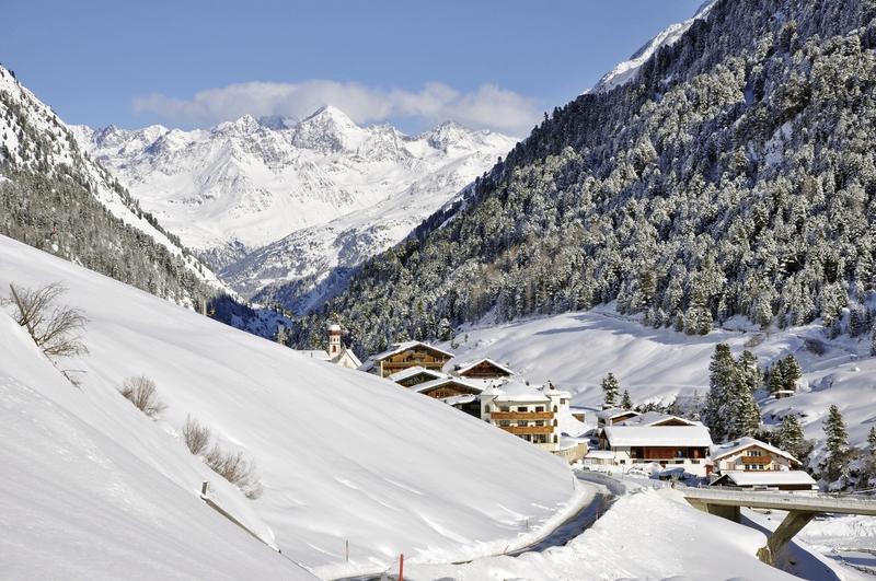 Das Tal direkt am Hotel Kleon - Urlaub in Vent Österreich planen