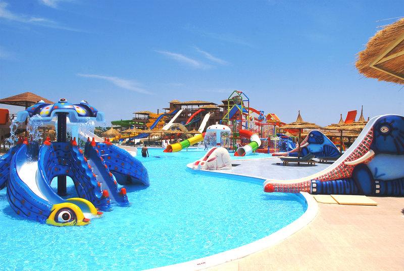 Die Poolanlage vom Aqua Park ist legendär für Kinder