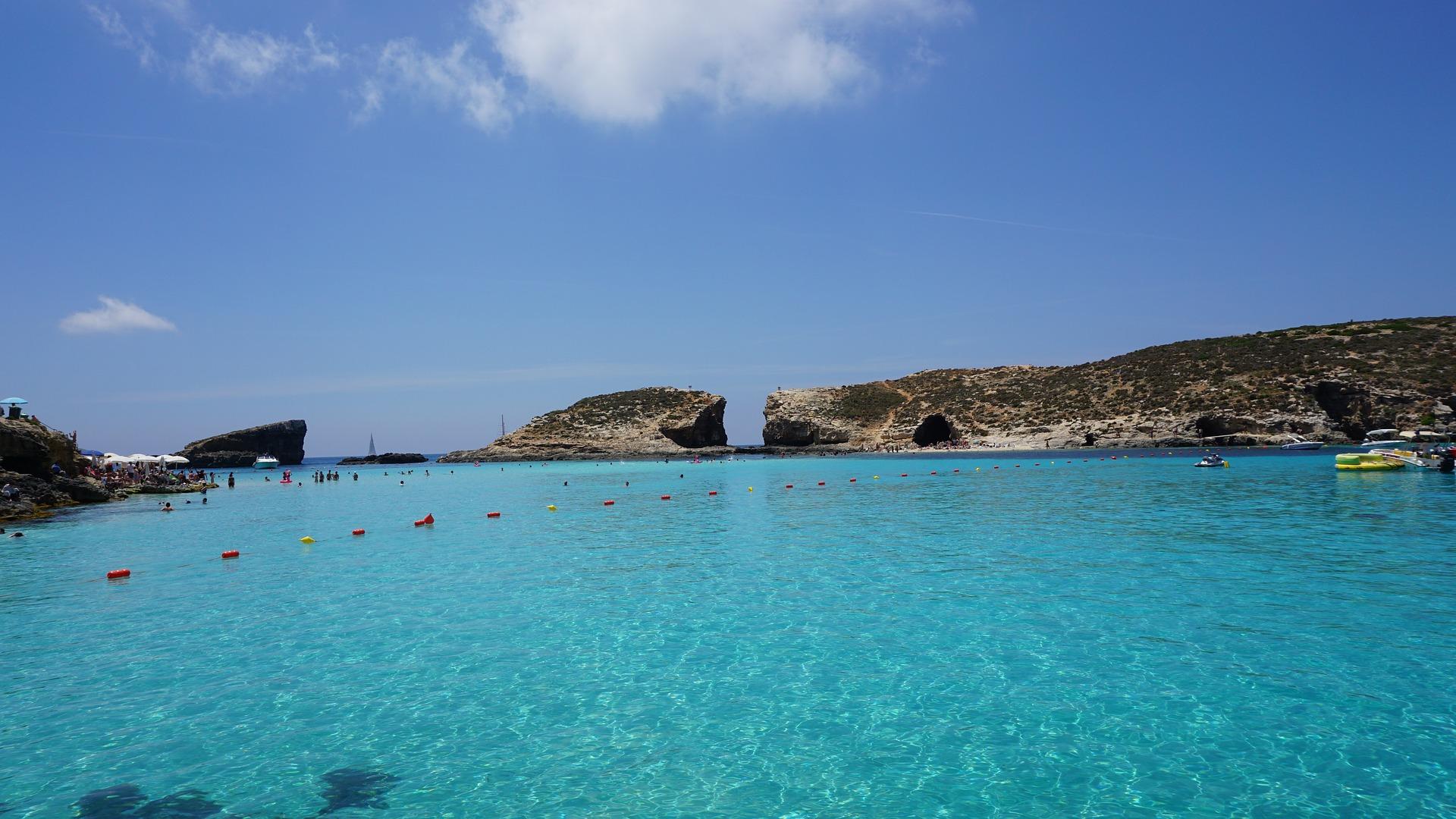 Die blaue Lagune der Insel