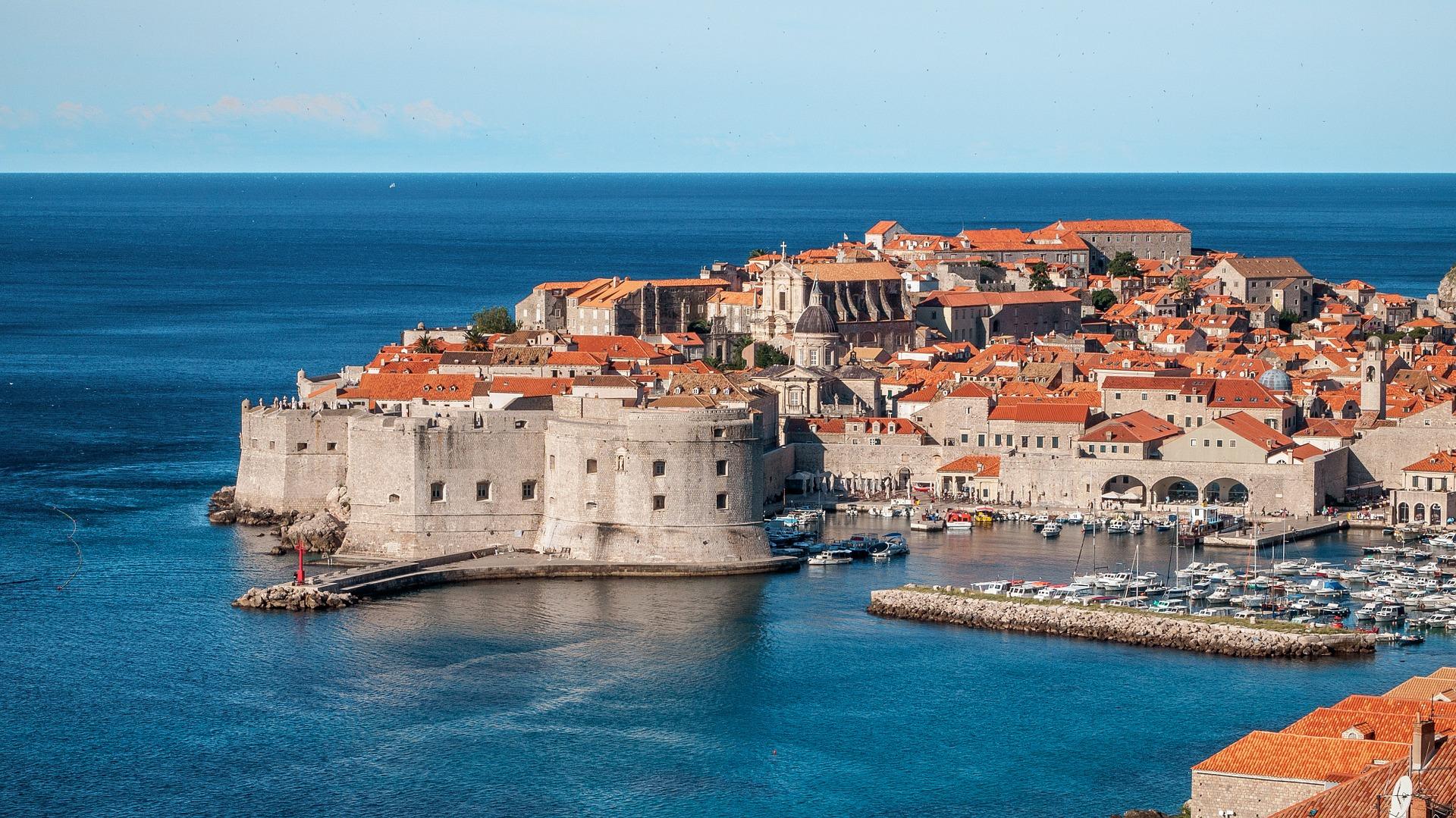 Dubrovnik eine Stadt die noch Mauern aus dem Mittelalter trät