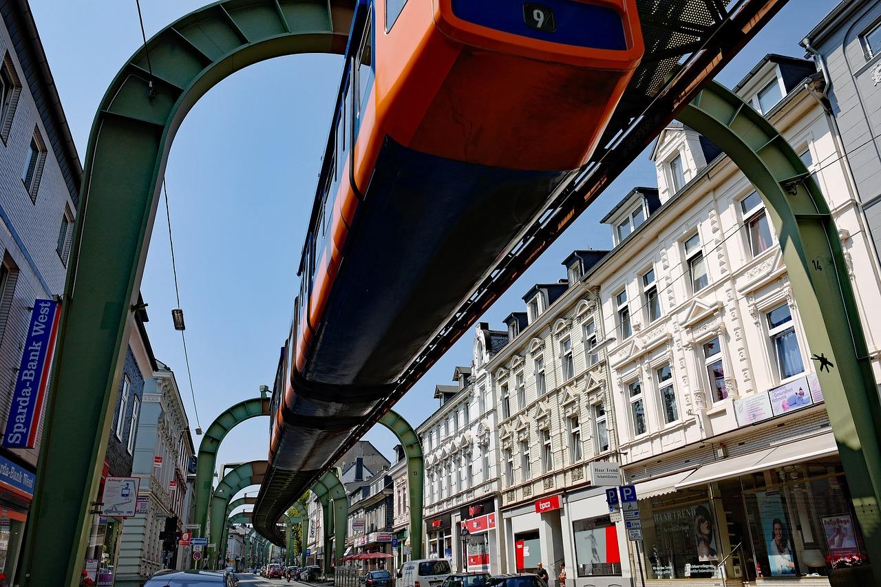 Ein Highlight durch die City mit der Schwebebahn ist eine Städtereise in Wuppertal wert