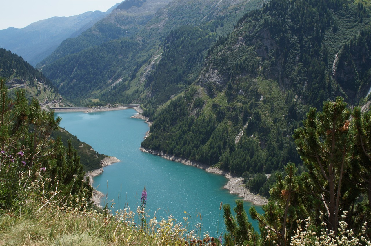 Erkundigt nicht nur die Küste im inneren der Insel findet Ihr Traumhafte Seen in denen man Baden kann