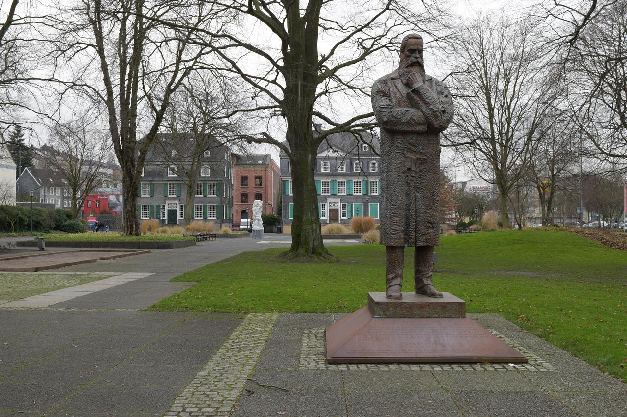 Friedrich Engel Park