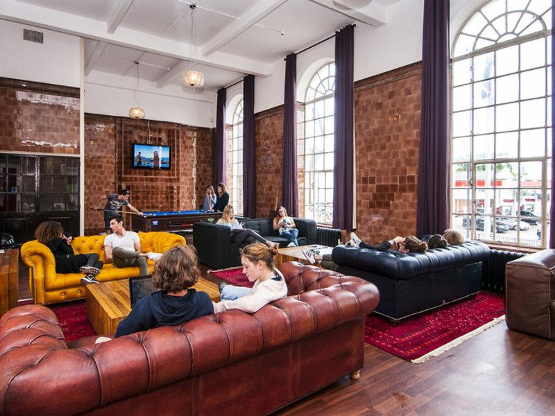 Geld sparen im Restup London bei Southwark und tolle Leute kennen Lernen