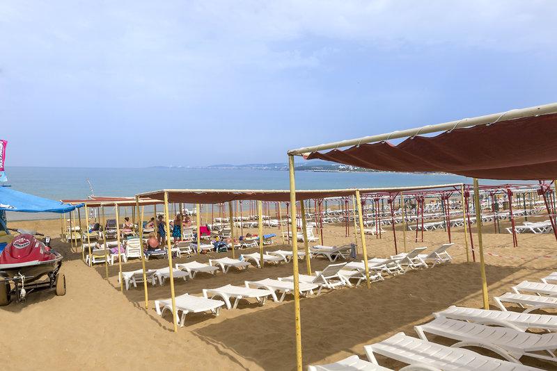 Hoteleigener Sandstrand direkt an der Anlage buch dir das Resort zur Bestpreisgarantie