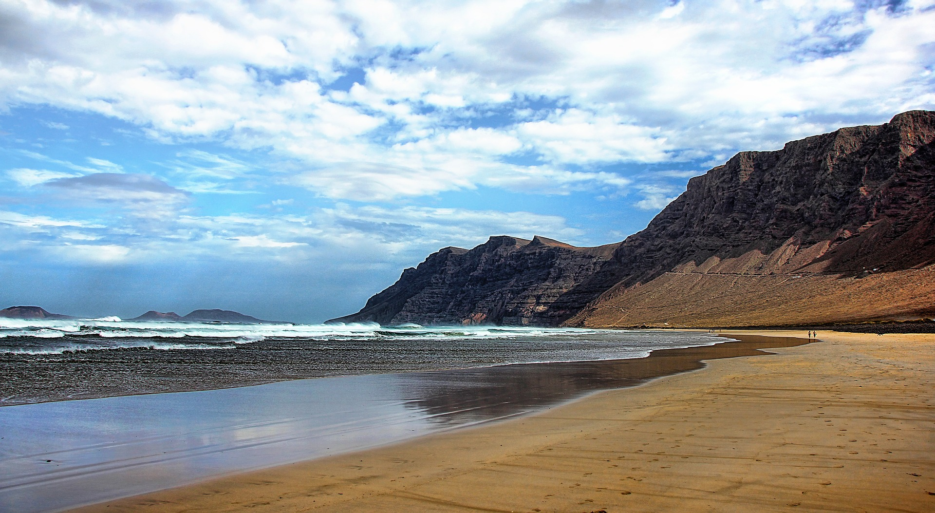 Lanzarote Billigflüge ab 4,38€ auf die Kanaren fliegen Flugdeals