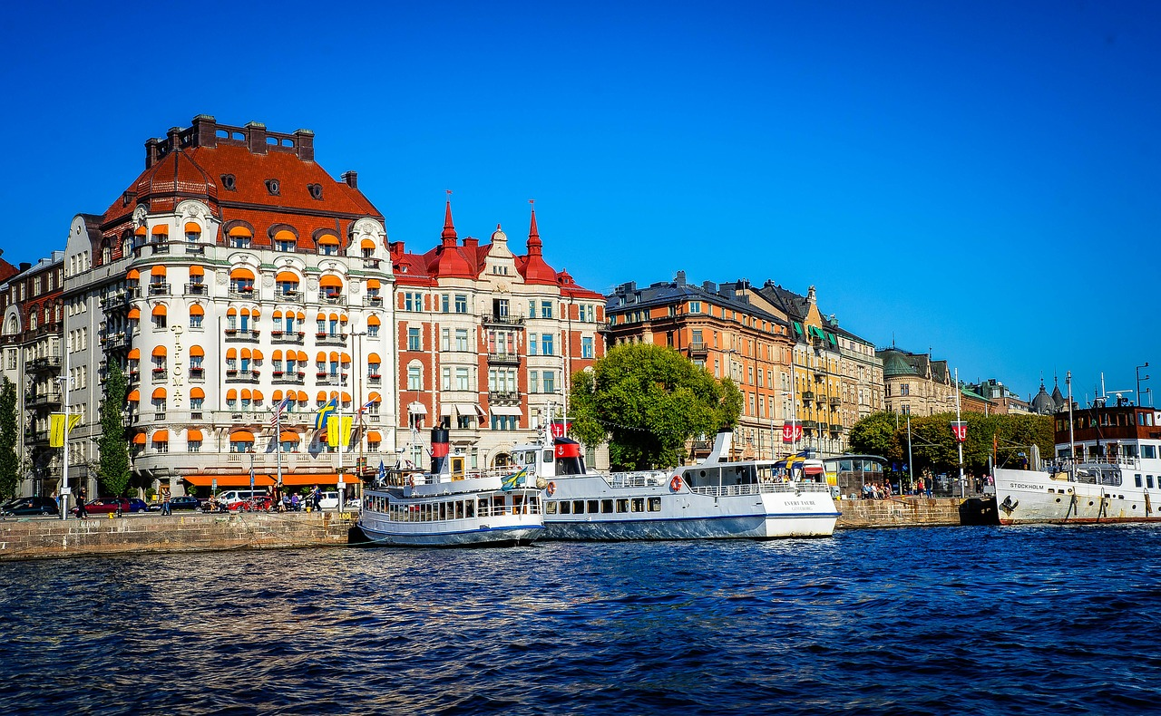 Lass dich während der Eine Woche Stockholm auf den Wasserstraßen transporieren
