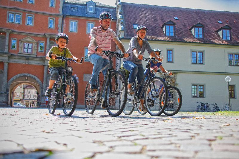 Mit dem Fahrradverleih können Sie die Gegend erkunden