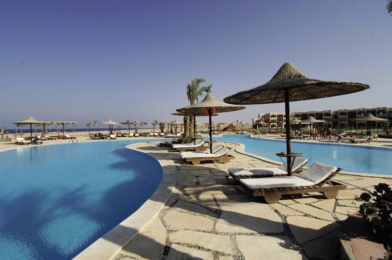 Poolanlage vom guten 3,5 Sterne Hotel in Marsa Alam