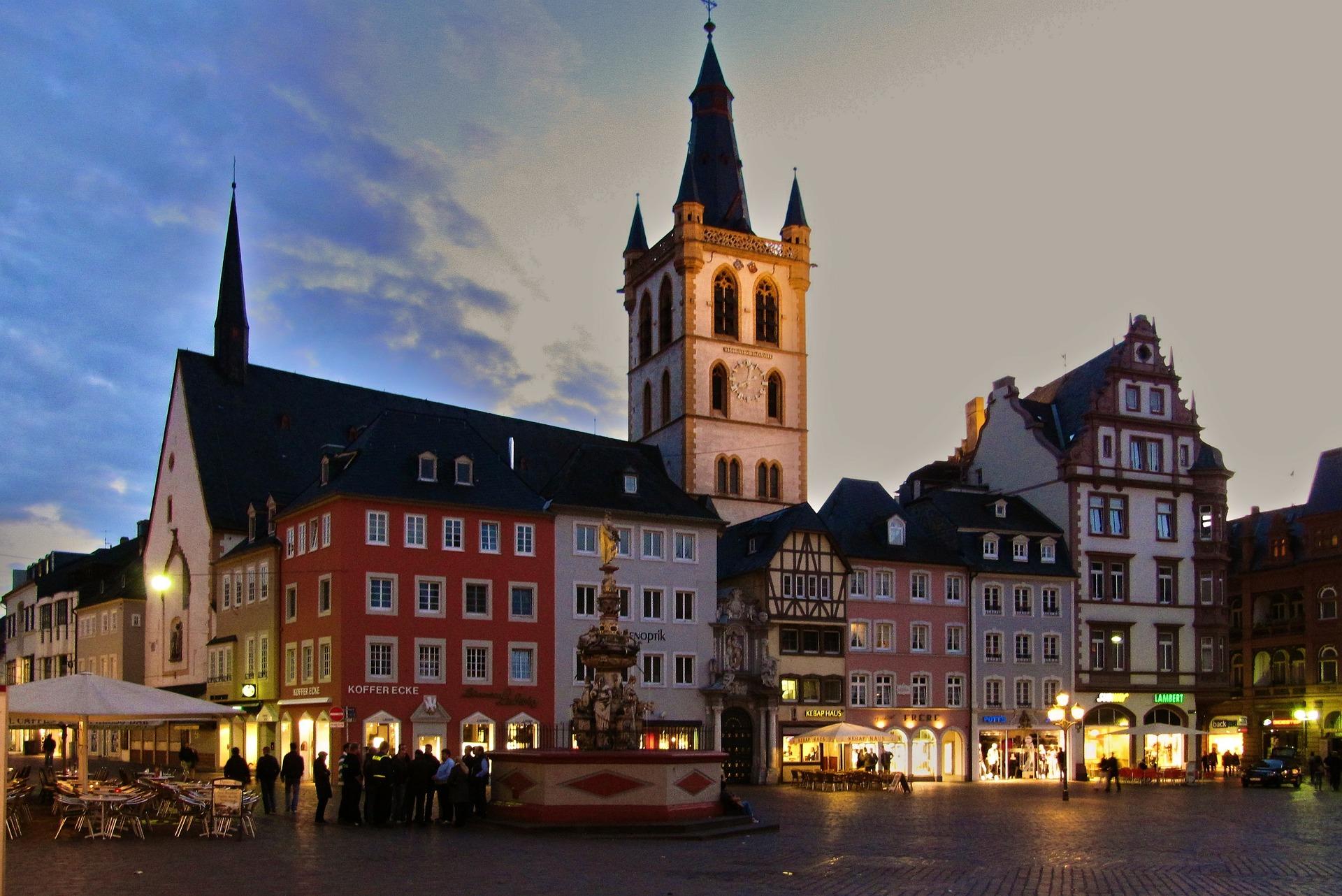 Stadt Trier hier können Sie während der Reise Abends perfekt ausgehen