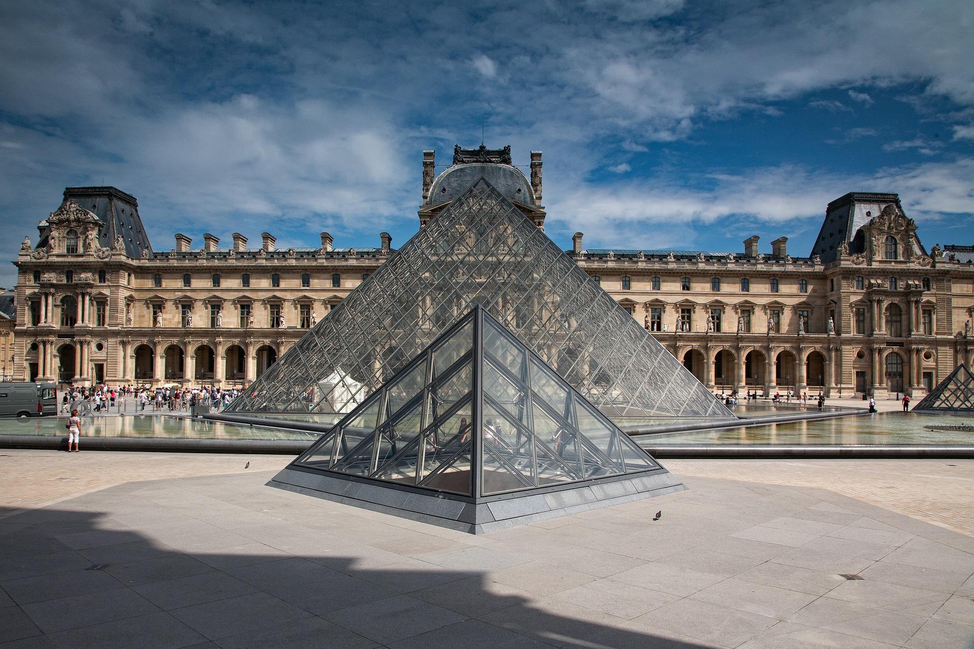 Tagesreise in Paris - auf ein Französisches Frühstück & Dinner in die Landeshauptstadt von Frankreich fahren