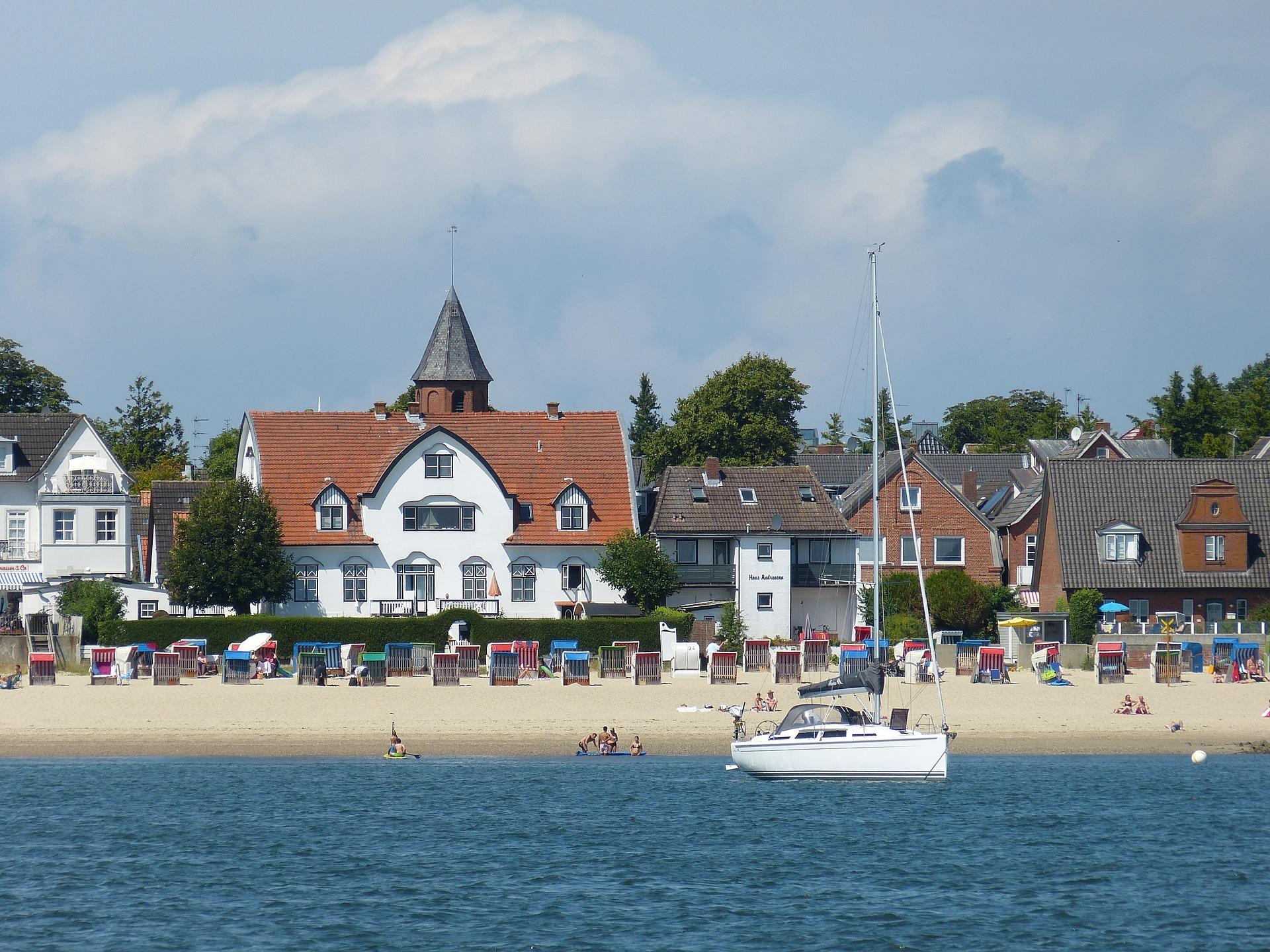 Vor Ort werden zahlreiche Bootstouren Angeboten