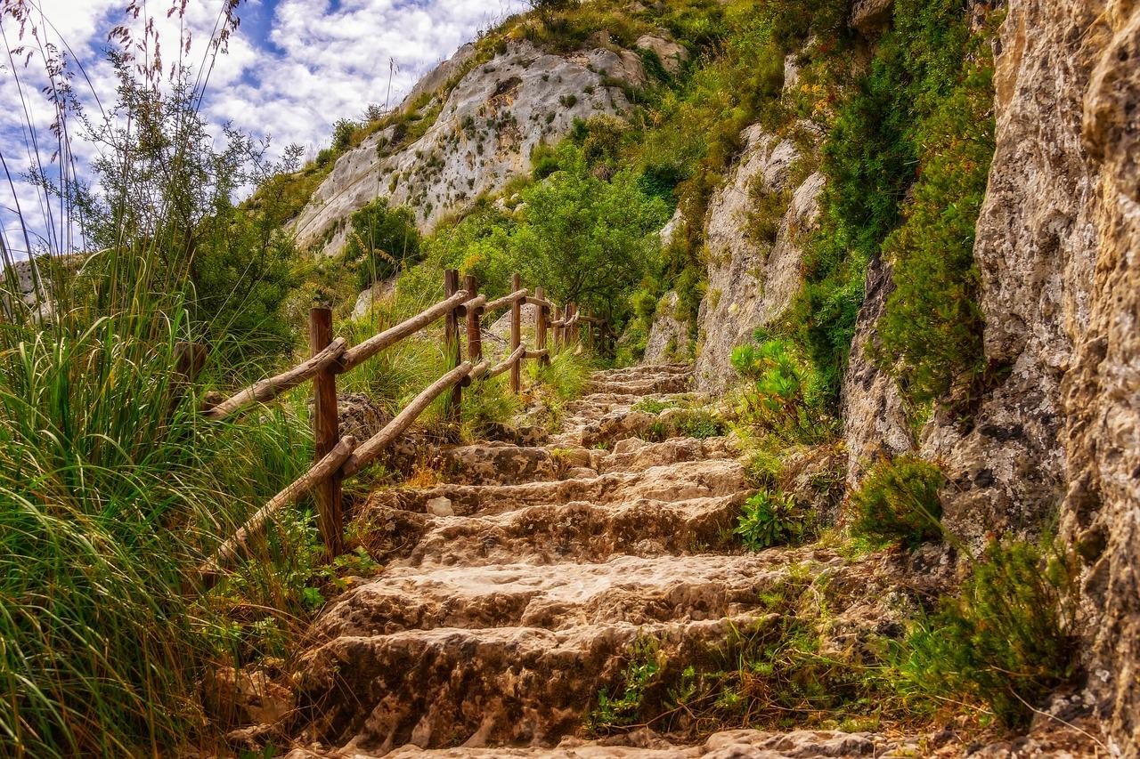 Wanderwege findest du überall im Süden von Italien