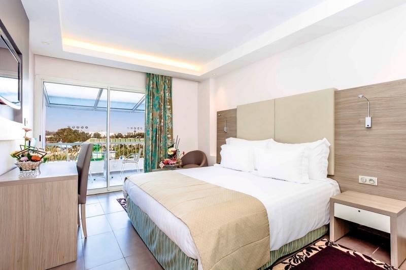 Beispiel Zimmer im Amadil Beach Hotel