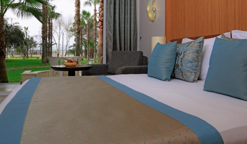 Beispiel im Zimmer im Geheimtipp in Alanya das LABRANDA Alantur Resort mit über 96%Beispiel im Zimmer im Geheimtipp in Alanya das LABRANDA Alantur Resort mit über 96% positiver Bewertung positiver Bewertung
