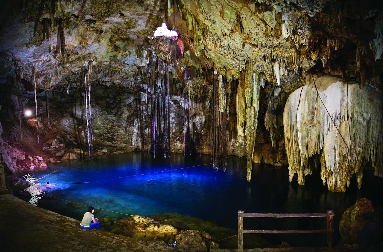 Cenoten Tauchen in Mexikos Unterwasserhöhle