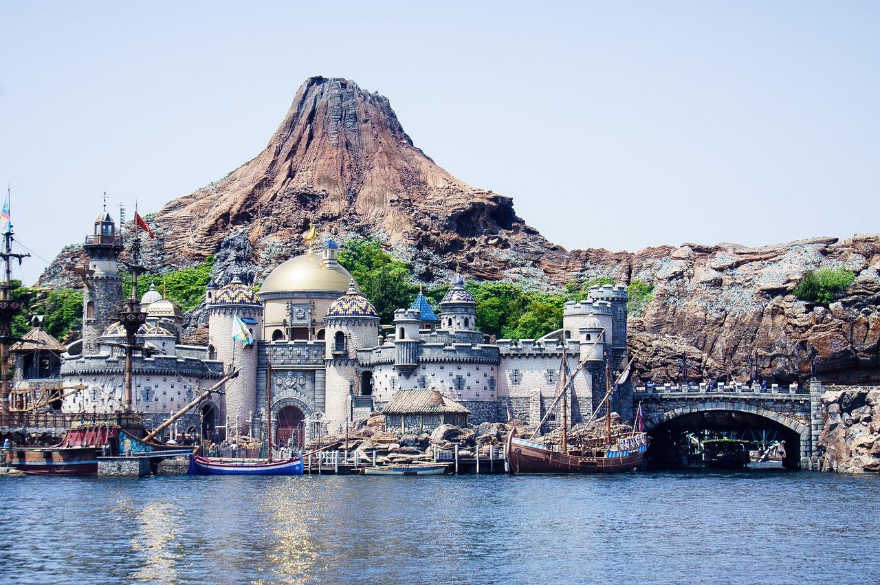 Der Hafen vom Disneyland in der city