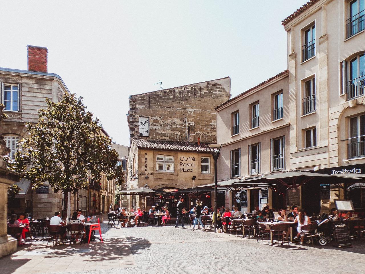 Die Altstadt hier könnt Ihr zu Humanen Preisen im Vergleich zu Paris ausgehen