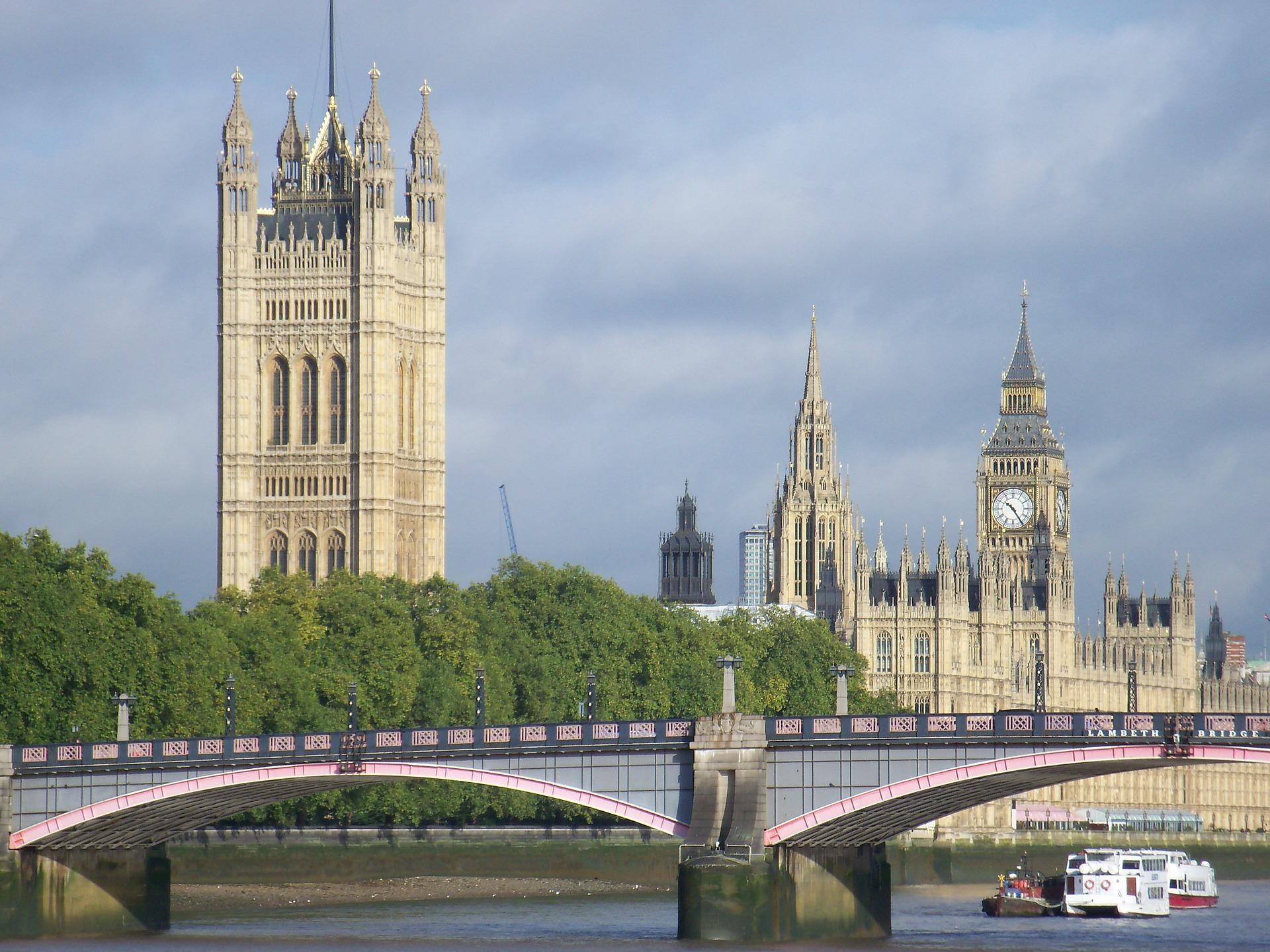 Flüge nach London Stansted hin & zurück ab 15,98€ Daily Deals