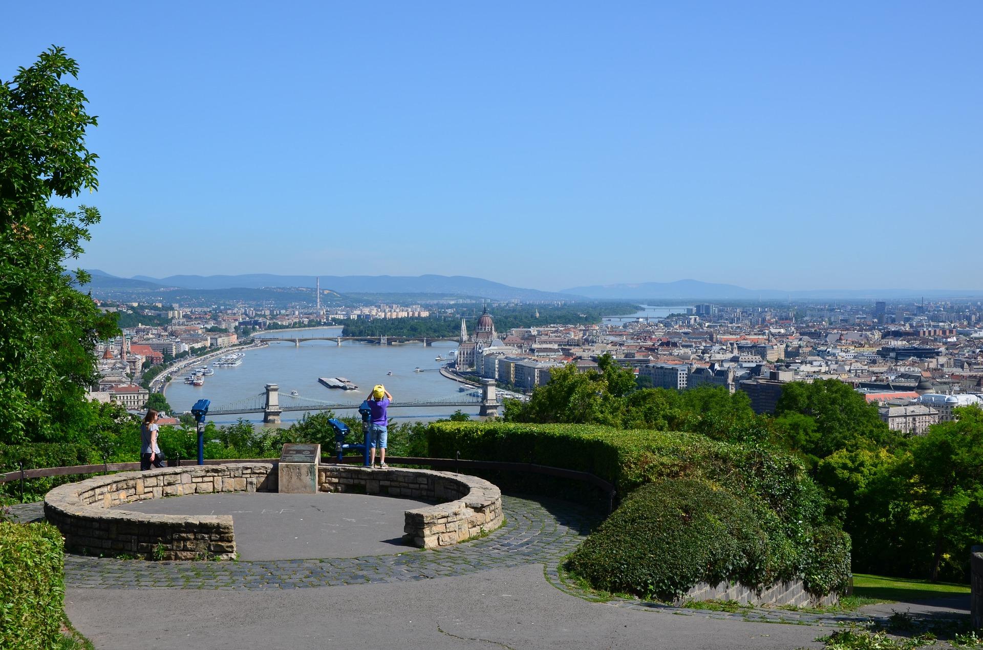Gellerit Hill von hier aus hast du eine perfekte Aussicht auf die City