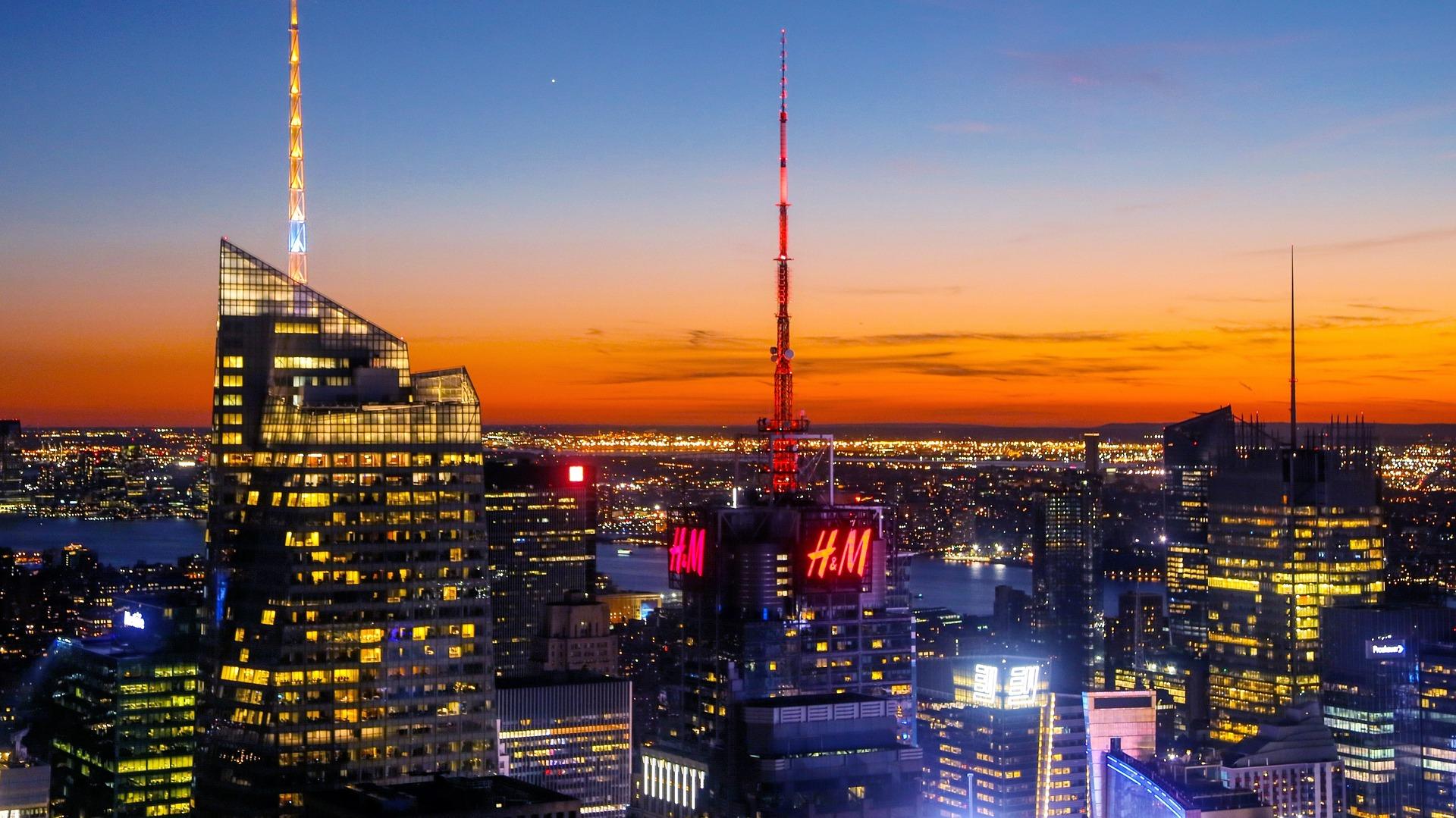 H&M in der Skyline von Manhattan