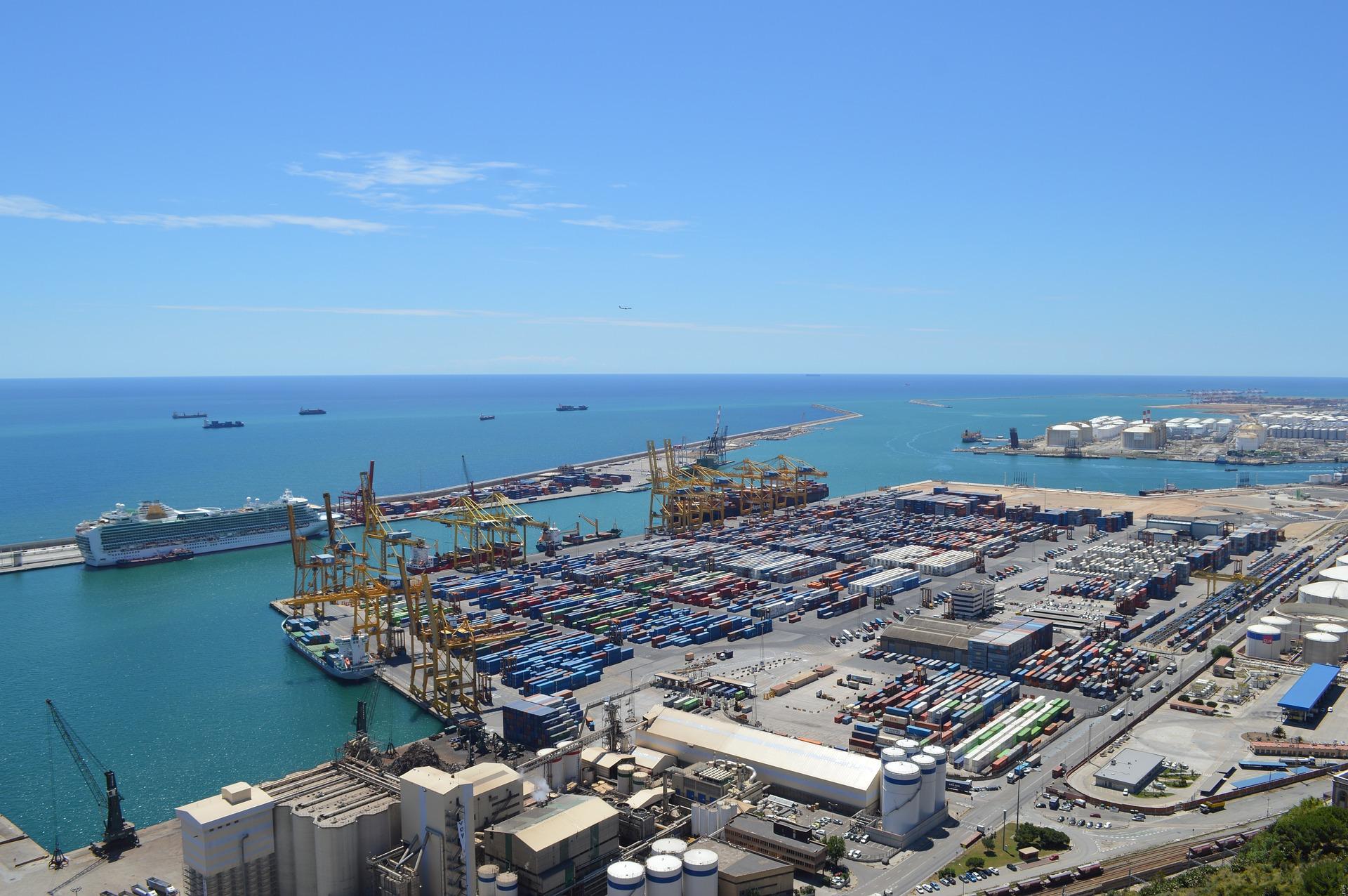 Hafen von BCN hier ist am meisten Traffic während eures Städtetrips