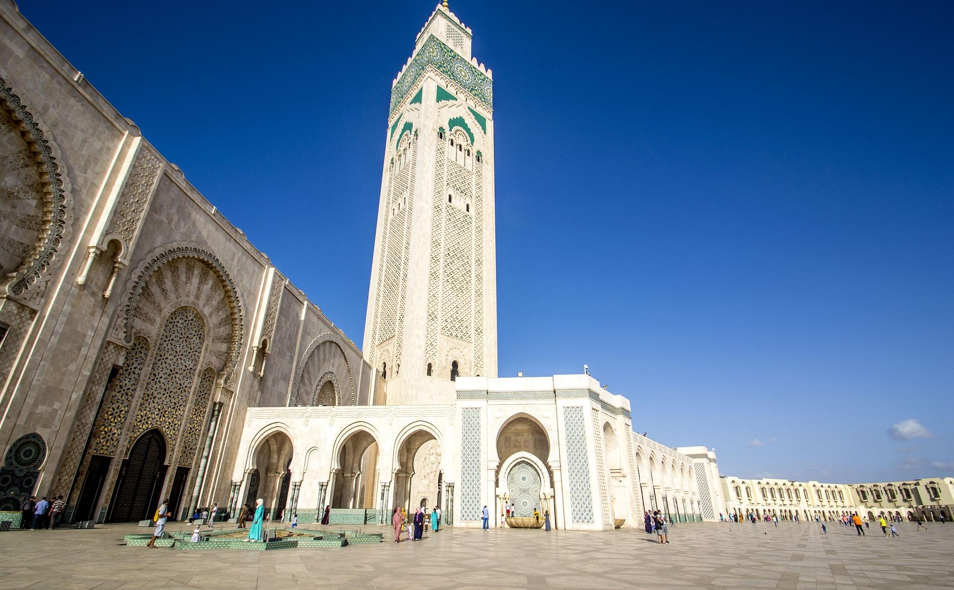 Hassan Moschee - Menschen aus der gesamten Welt reisen hier her