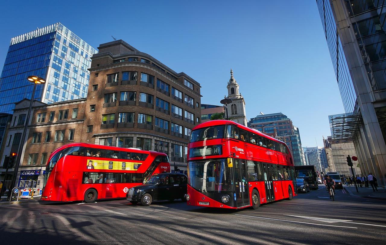 Hop on Hop off Bus damit solltest du aufjedenfall durch die City düsen