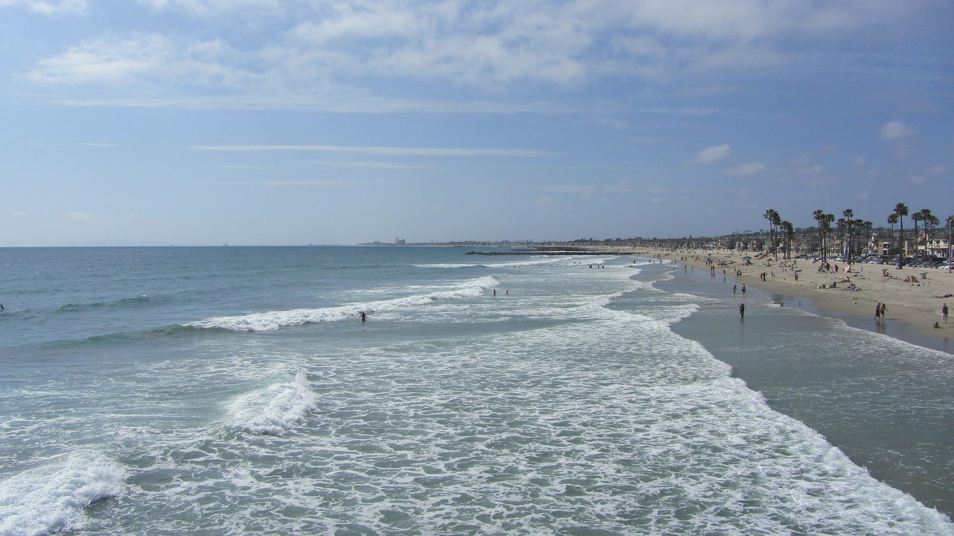 Ich empfehle am Strand von New Port baden zu gehen