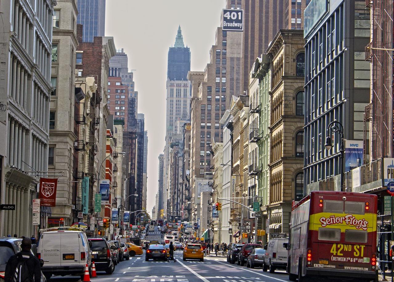 Jährlich strömen zahlreiche Touristen aus der ganzen Welt in die Weltmetropole