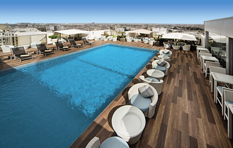 Mövenpick Hotel Casablanca mit Rooftop Pool
