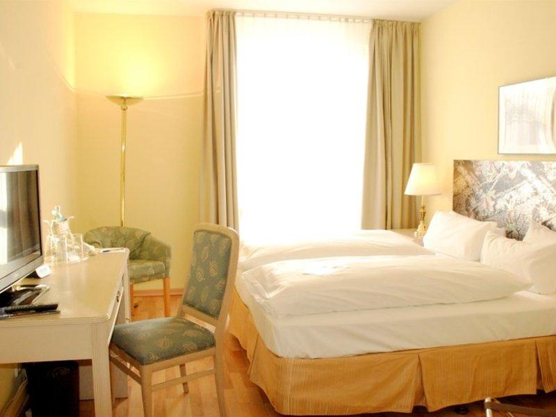 Schlafzimmer in dem 3,5 Sterne Hotel am Schloss Köpenick in der Hauptstadt