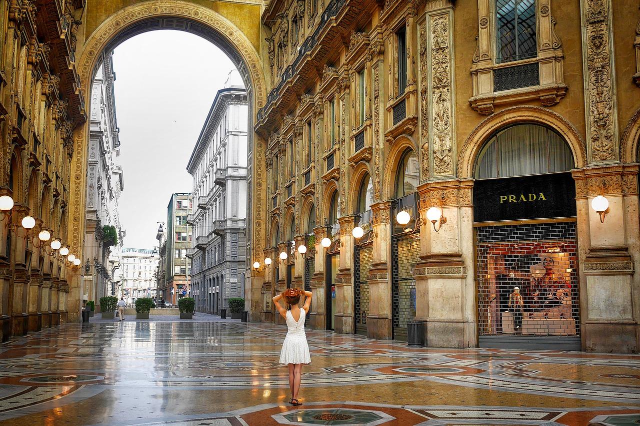Shoppen in Mailand in der Galleria Vittorio Tagestrip ab 17,00€ hin & zurück