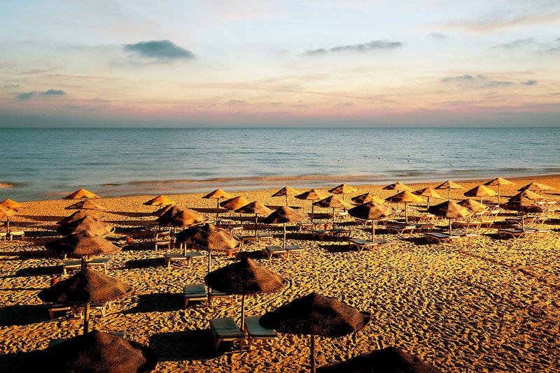 Sidi Mahres Strand - privater Strand vom Hotel