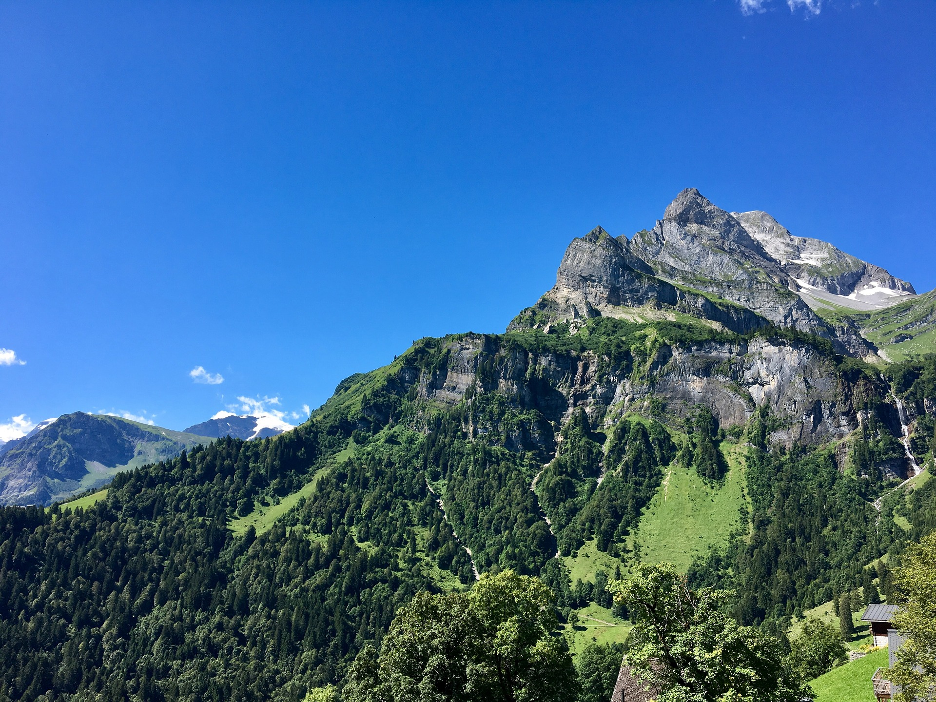 Traust du dich außergewöhnlich zu Übernachten in der Schweizß
