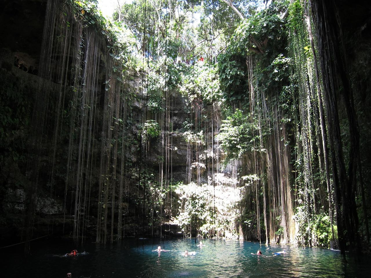 Unterwasserhöhle Tauchen in Mexikos Cenoten ab 28,84€ Unterwasser Höhle Carretera