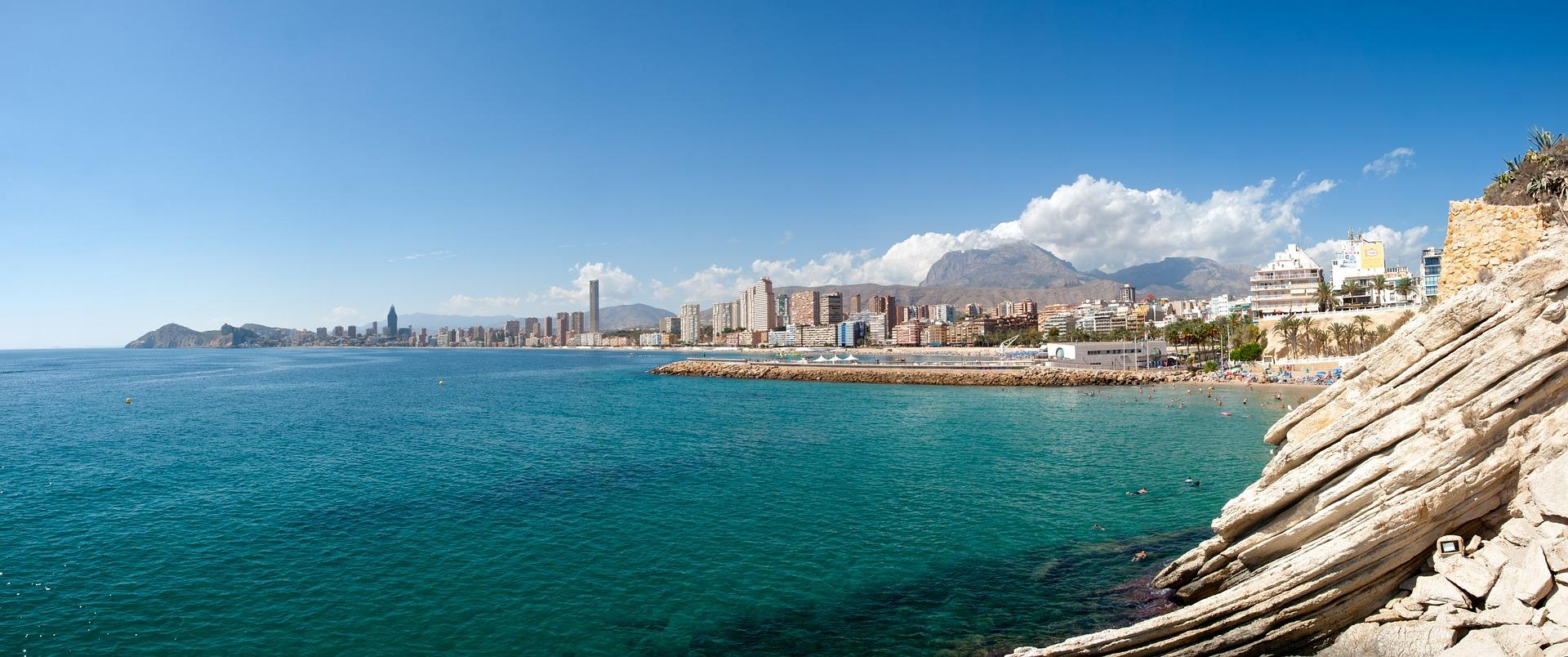 Wärmster Ort im Winter in Europa Alicante ab 9,99€ bist du dabei