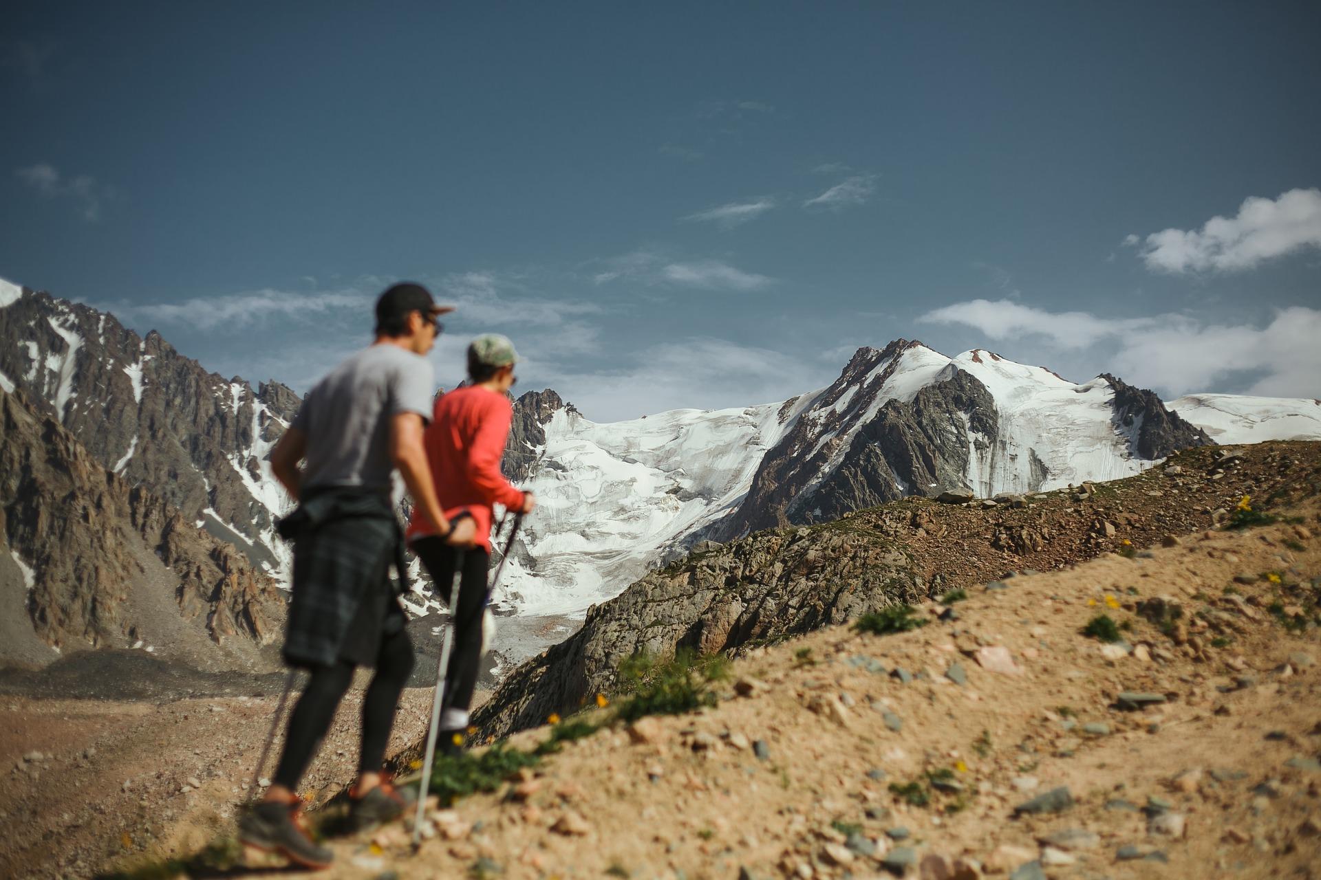 Wandern im Herzen der Natur Kasachstans