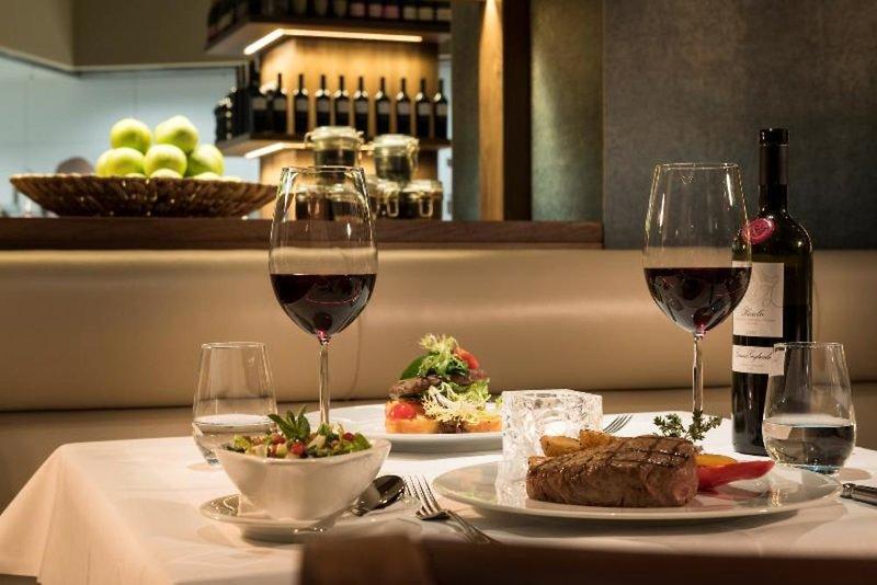 4 verschiedene Restaurants findet Ihr im Estrel Berlin