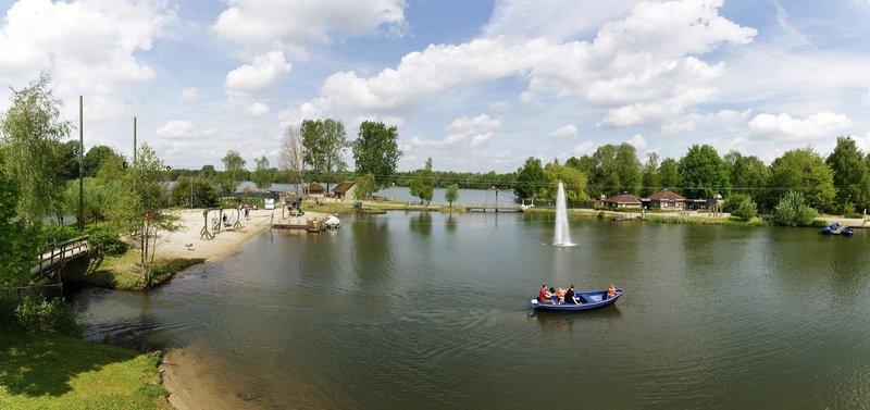 Aktivitäten neben Bootfahren könnt Ihr euch auch ein Kanu leihen und den Rietplas See erkunden