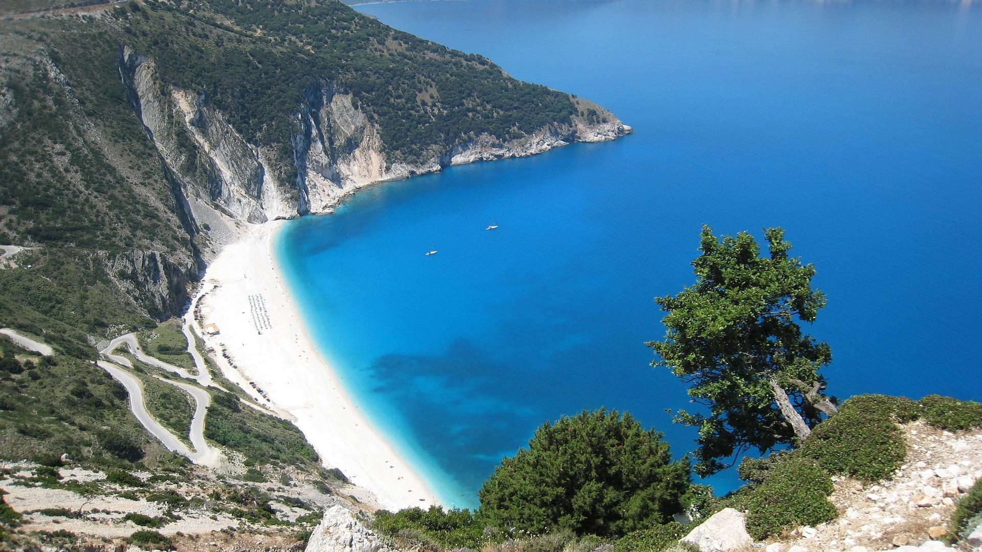 Am 2 Sterne Hotel Lara befindet sich unmittelbar diese wundervolle Bucht