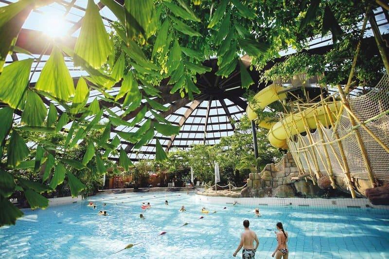 Aqua Mundo das tropische Badeparadies im Norden der Niederlande