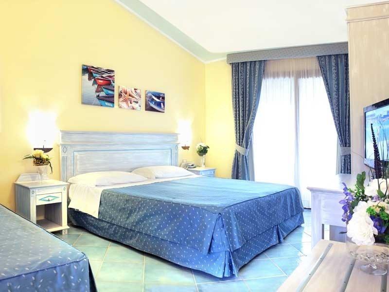 Beispielzimmer für einen Familienurlaub auf Sardinien