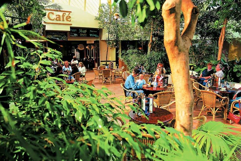 Das Café bietet sich perfekt an zum speisen, falls mal nicht gekocht wird in der Ferienwohnung