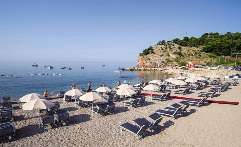Direkte Strandlage am 2 Kilometer langen hoteleigenen Strand