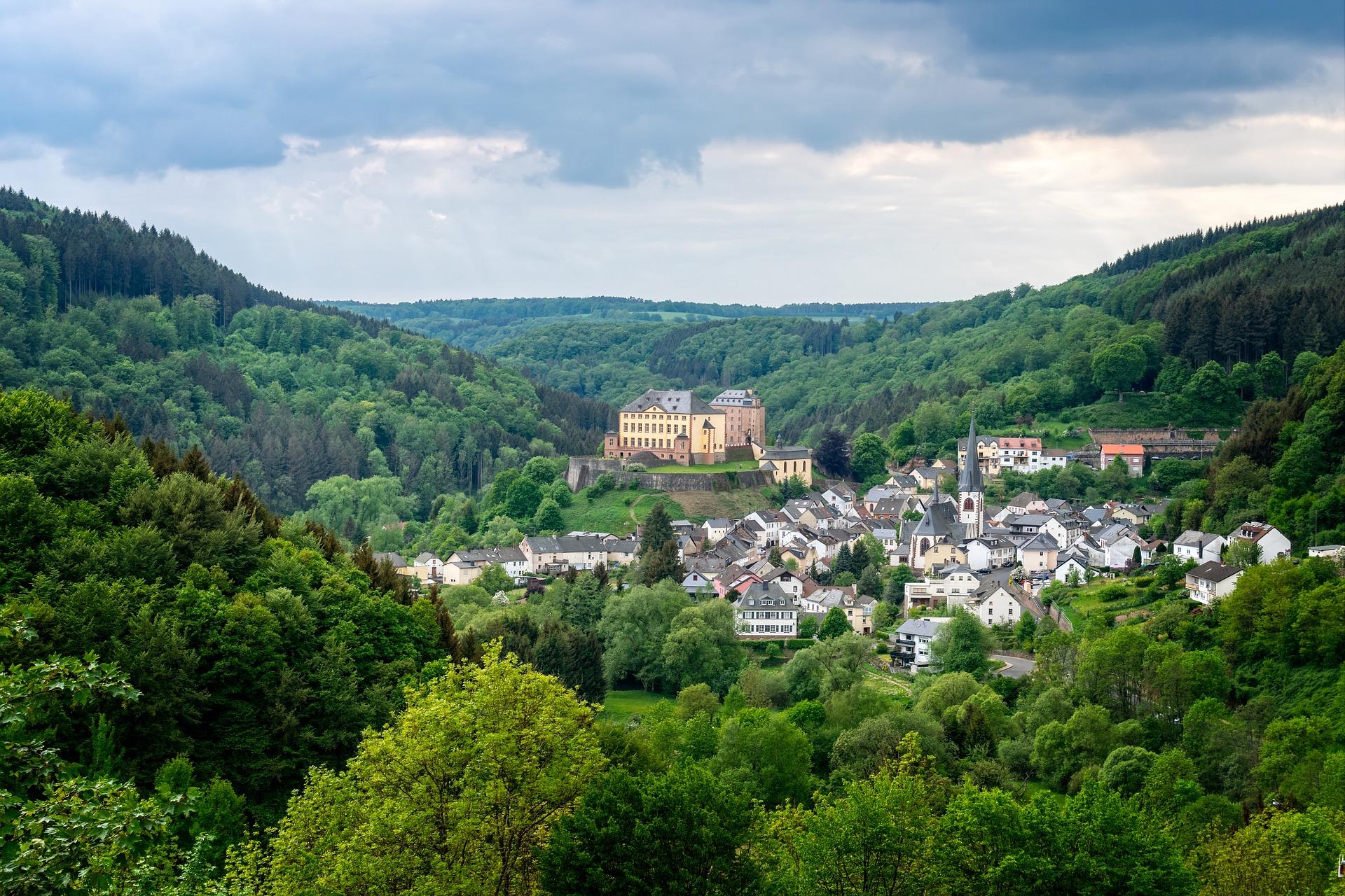 Eifel das Gebiet beginnt bei Aachen und zieht sich rüber bis Luxembourg