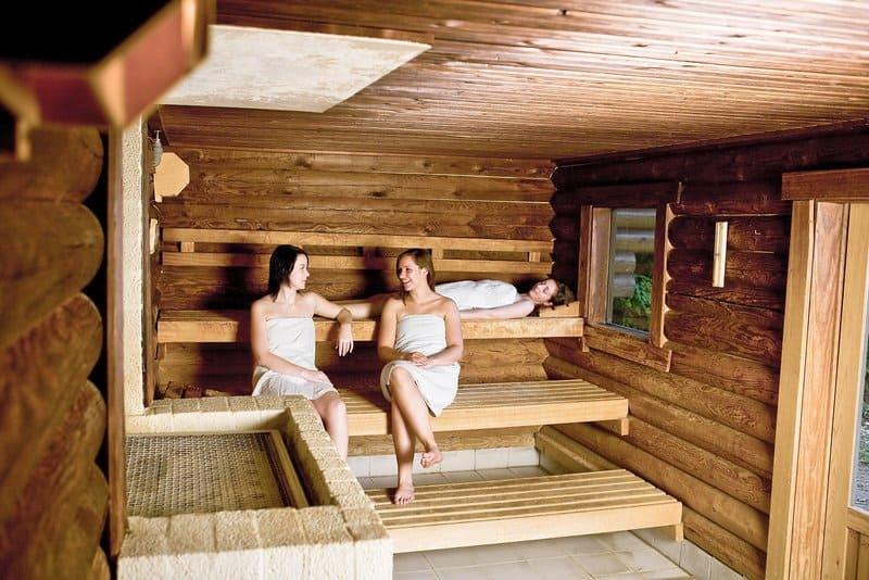 In der Sauna findet Ihr Erholung , wer ein VIP Ferienhaus bucht hat natürlich freien Zugang zur Sauna