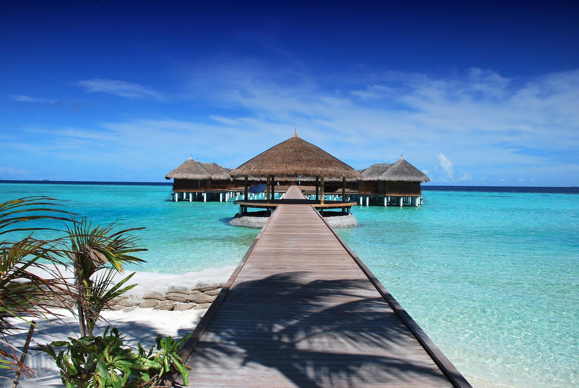 Malediven Urlaub im Beachbungalow ist Glamping !