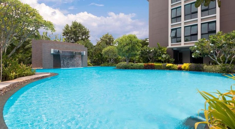 Pool vom Hotel für deinen günstigen Pattaya Urlaub